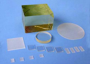 кристаллы и субстрат  MgO