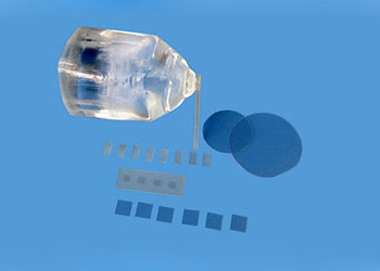 кристаллы и субстрат MgAl2O4 (шпинель)